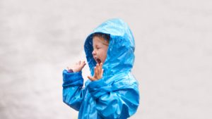 Shot of a young girl playing outside in the rainhttp://195.154.178.81/DATA/i_collage/pi/shoots/783464.jpg